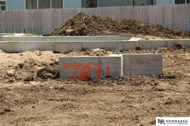 7831 Lena Street, Lincoln, NE 68516 (MLS #22007833) :: One80 Group/Berkshire Hathaway HomeServices Ambassador Real Estate