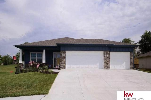 608 Brentwood Drive, Gretna, NE 68028 (MLS #22008000) :: The Briley Team