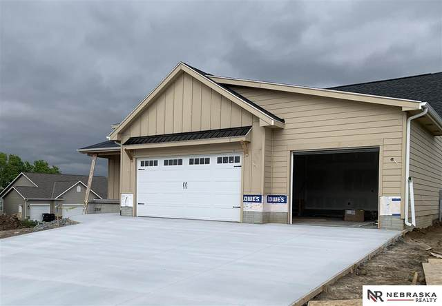 3328 Fairway Drive, Plattsmouth, NE 68048 (MLS #22008120) :: Stuart & Associates Real Estate Group