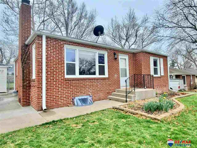 1832 S 49th Street, Lincoln, NE 68506 (MLS #22008279) :: Lincoln Select Real Estate Group