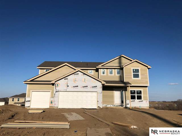 11953 S 113 Avenue, Papillion, NE 68046 (MLS #22008291) :: One80 Group/Berkshire Hathaway HomeServices Ambassador Real Estate