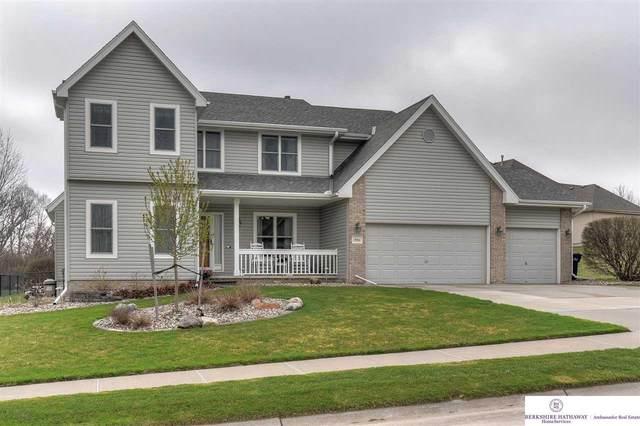 13511 Tregaron Circle, Bellevue, NE 68123 (MLS #22008327) :: kwELITE