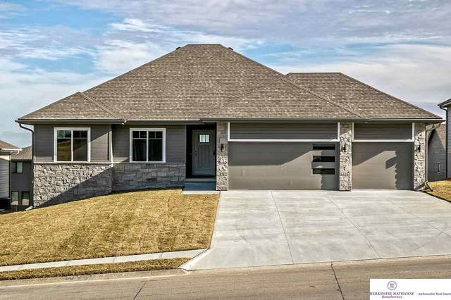 18202 Gretchen Avenue, Omaha, NE 68022 (MLS #22008500) :: The Briley Team