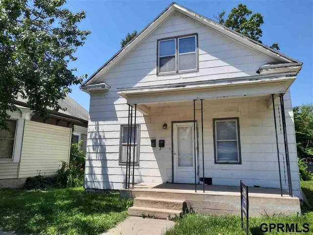 4305 N 61 Street, Lincoln, NE 68507 (MLS #22008737) :: Complete Real Estate Group