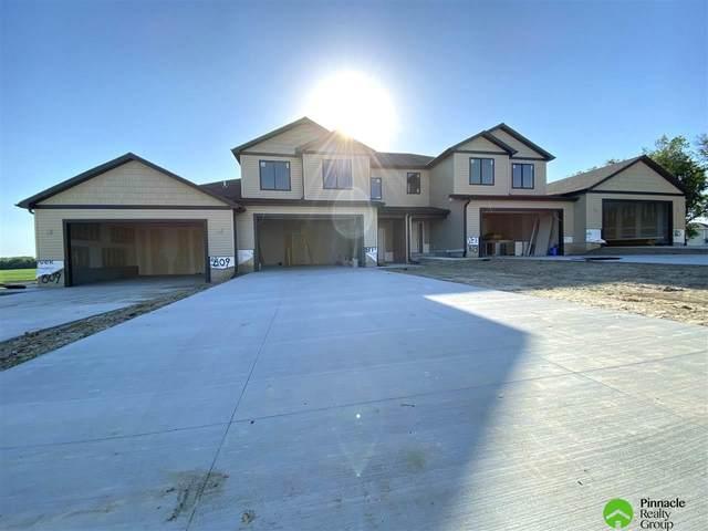611 Garrett Place, Hickman, NE 68372 (MLS #22009151) :: Lincoln Select Real Estate Group