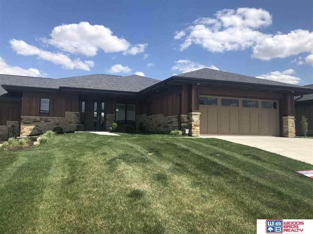 2930 S 89th Street, Lincoln, NE 68520 (MLS #22009197) :: Catalyst Real Estate Group
