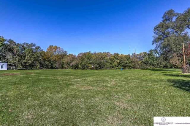 7060 Bedford Avenue, Omaha, NE 68104 (MLS #22009412) :: The Excellence Team