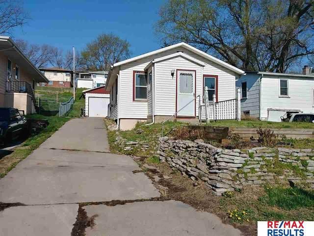 5644 S 51st Avenue, Omaha, NE 68117 (MLS #22009706) :: Dodge County Realty Group