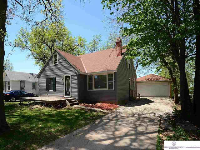 3845 S 15th Street, Lincoln, NE 68502 (MLS #22009949) :: Dodge County Realty Group