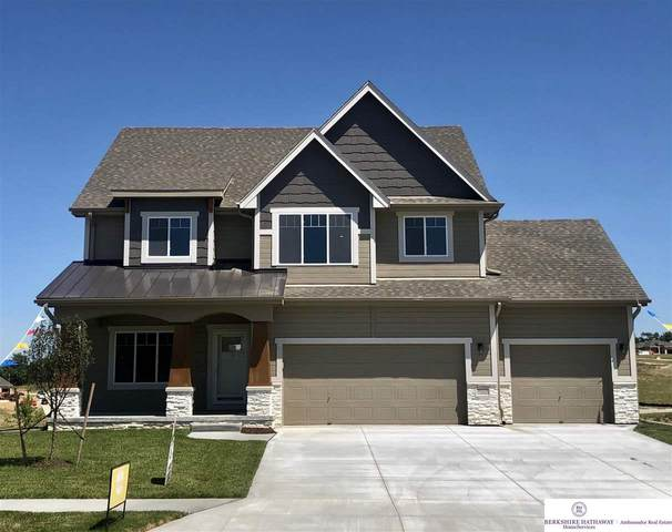 10113 S 105th Street, Papillion, NE 68046 (MLS #22010293) :: One80 Group/Berkshire Hathaway HomeServices Ambassador Real Estate