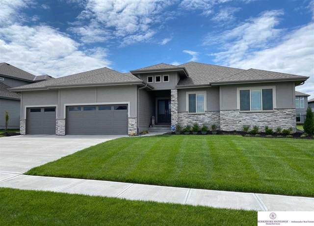 12012 Longshore Avenue, Papillion, NE 68046 (MLS #22010985) :: Dodge County Realty Group