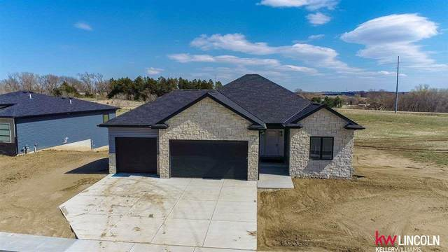 812 Terrace View Drive, Hickman, NE 68372 (MLS #22011637) :: Capital City Realty Group