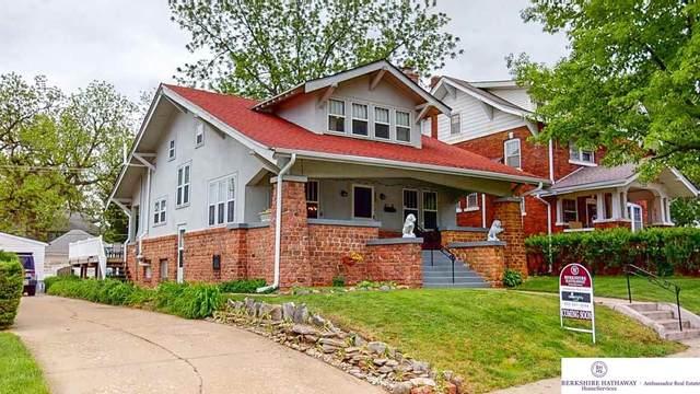 2227 S 32 Avenue, Omaha, NE 68105 (MLS #22011913) :: One80 Group/Berkshire Hathaway HomeServices Ambassador Real Estate