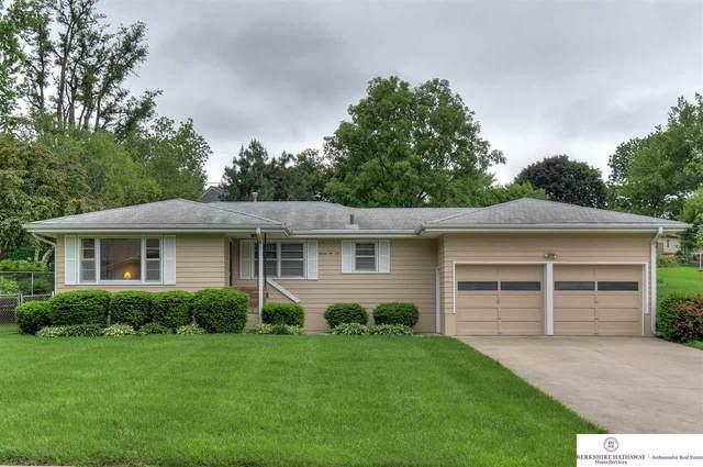 1106 Grandview Street, Bellevue, NE 68005 (MLS #22012920) :: Stuart & Associates Real Estate Group
