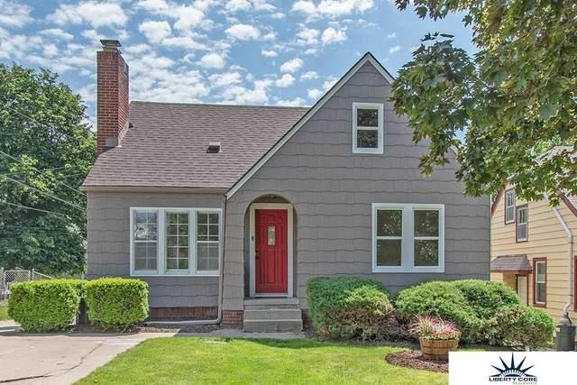 1811 S 45 Street, Omaha, NE 68106 (MLS #22013712) :: Omaha Real Estate Group
