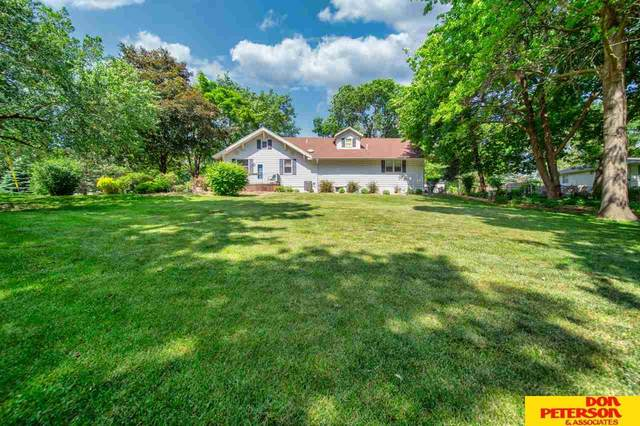 302 Otoe Avenue, Valley, NE 68064 (MLS #22014020) :: One80 Group/Berkshire Hathaway HomeServices Ambassador Real Estate