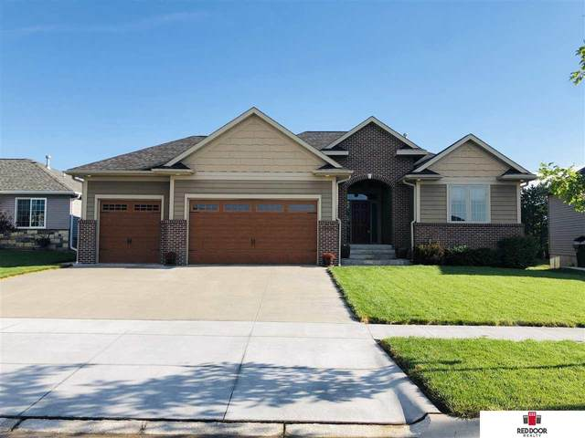 9648 White Pine Road, Lincoln, NE 68505 (MLS #22014992) :: One80 Group/Berkshire Hathaway HomeServices Ambassador Real Estate