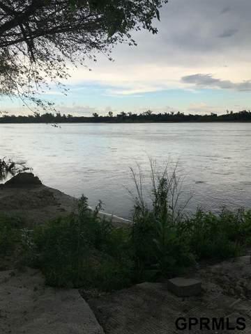 2303 Platte River Drive, Bellevue, NE 68123 (MLS #22015174) :: The Briley Team