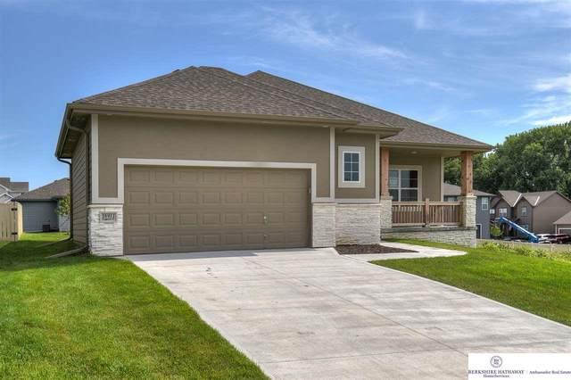 16911 Virginia Street, Omaha, NE 68136 (MLS #22016947) :: Dodge County Realty Group