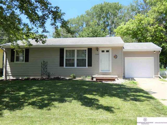 7124 N 65 Avenue, Omaha, NE 68152 (MLS #22017132) :: Lincoln Select Real Estate Group