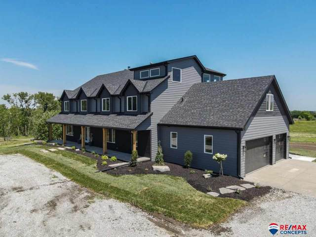 5100 S 98th Street Opt #1, Lincoln, NE 68526 (MLS #22017233) :: Catalyst Real Estate Group