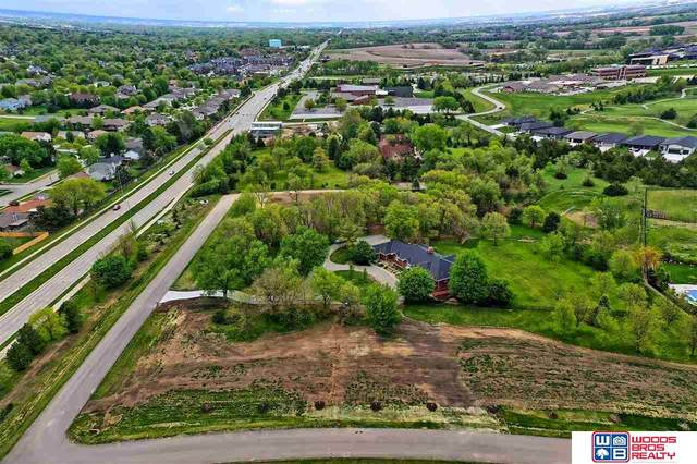 8500 Tralee Road, Lincoln, NE 68520 (MLS #22017239) :: kwELITE