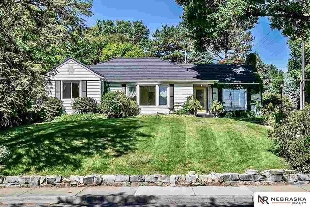 460 N 61st Street, Omaha, NE 68132 (MLS #22017278) :: Complete Real Estate Group