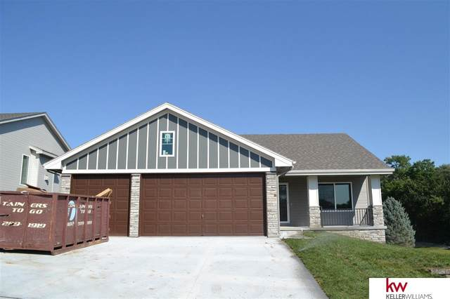 452 Eastwood Drive, Louisville, NE 68037 (MLS #22017427) :: The Homefront Team at Nebraska Realty