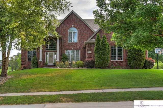 10825 Fairway Drive, Omaha, NE 68136 (MLS #22017929) :: kwELITE