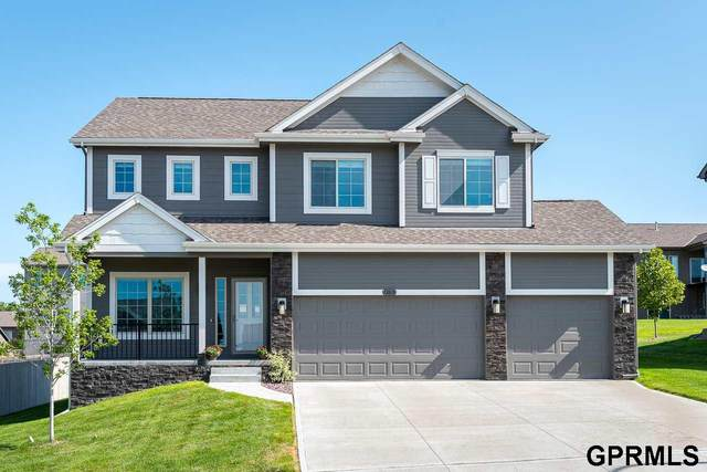 18818 Cottonwood Street, Omaha, NE 68136 (MLS #22018108) :: Cindy Andrew Group