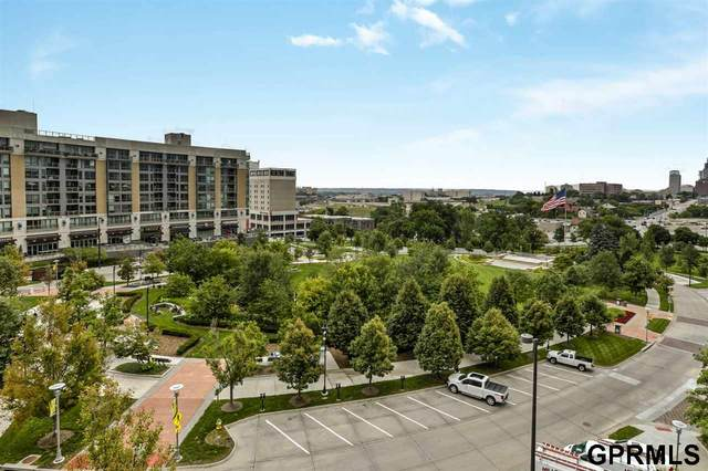 220 S 31 Avenue #3500, Omaha, NE 68131 (MLS #22018963) :: One80 Group/Berkshire Hathaway HomeServices Ambassador Real Estate