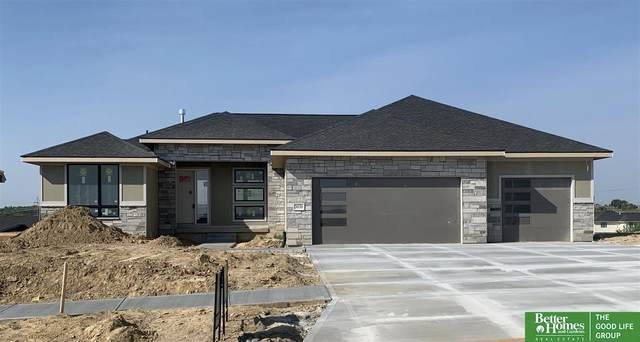 3030 Big Elk Parkway, Elkhorn, NE 68022 (MLS #22021874) :: The Homefront Team at Nebraska Realty
