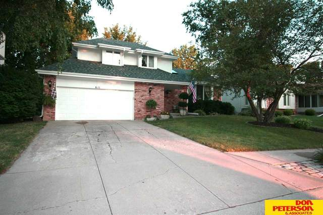 611 N 152nd Avenue Circle, Omaha, NE 68154 (MLS #22021915) :: Omaha Real Estate Group