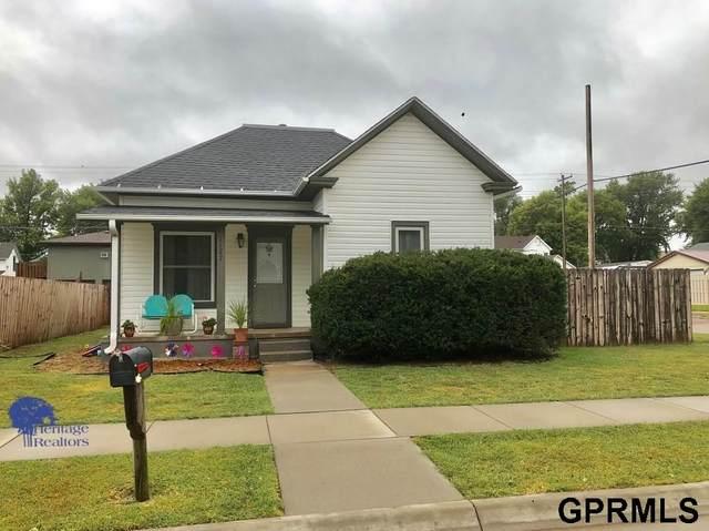 1127 N Nebraska Avenue, York, NE 68467 (MLS #22022375) :: Capital City Realty Group