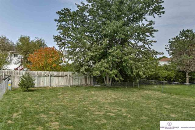 13816 Cavalier Street, Waverly, NE 68462 (MLS #22022527) :: Lincoln Select Real Estate Group