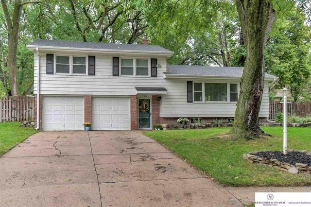 3303 S 107th Avenue, Omaha, NE 68124 (MLS #22022800) :: Catalyst Real Estate Group