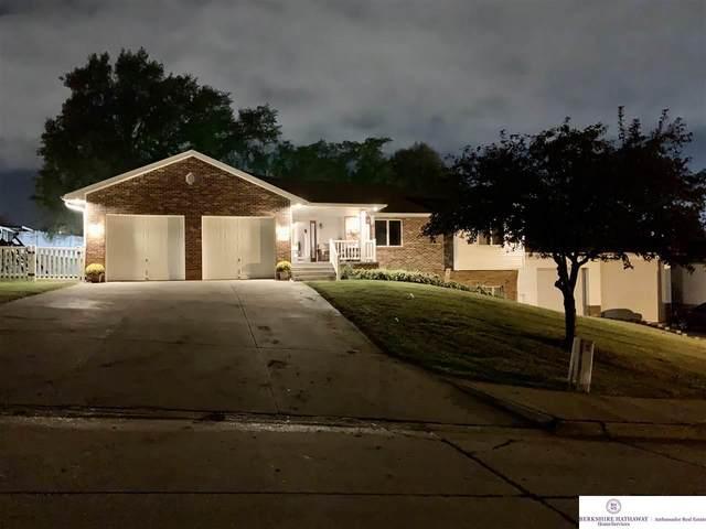 4732 S 81 Street, Ralston, NE 68127 (MLS #22022946) :: One80 Group/Berkshire Hathaway HomeServices Ambassador Real Estate