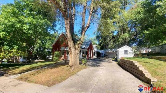 6626 Evans Street, Omaha, NE 68104 (MLS #22023044) :: Catalyst Real Estate Group