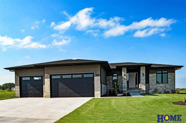 8840 White Horse Way, Lincoln, NE 68520 (MLS #22023470) :: Lincoln Select Real Estate Group