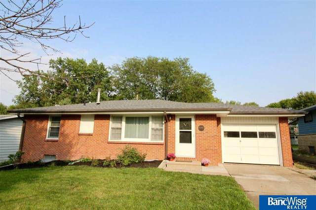 830 N 58Th Street, Lincoln, NE 68505 (MLS #22023484) :: Lincoln Select Real Estate Group