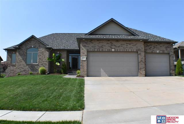 9515 S 28th Street, Lincoln, NE 68516 (MLS #22023706) :: Capital City Realty Group