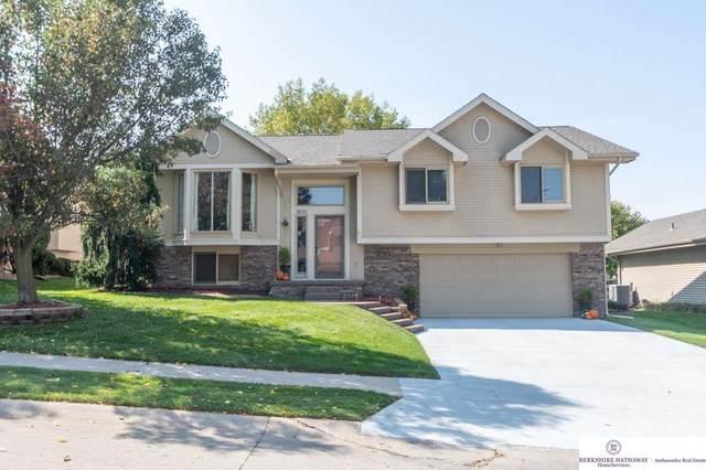 1830 N 159 Street, Omaha, NE 68118 (MLS #22024040) :: One80 Group/Berkshire Hathaway HomeServices Ambassador Real Estate