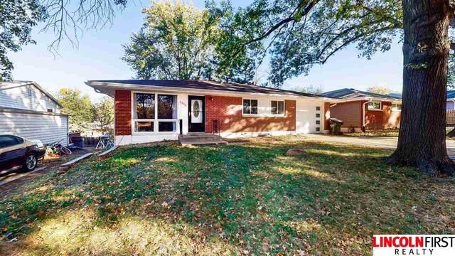 6908 Vine Street, Lincoln, NE 68505 (MLS #22024081) :: One80 Group/Berkshire Hathaway HomeServices Ambassador Real Estate