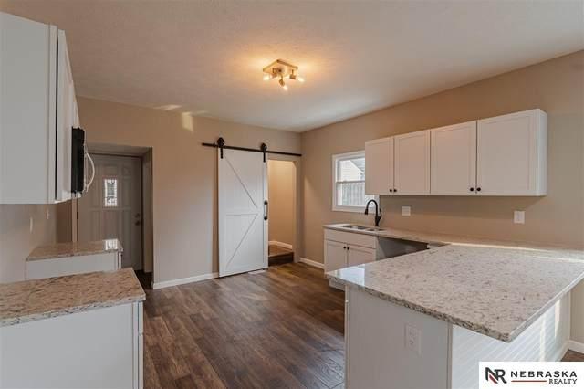 4123 S 39th Street, Omaha, NE 68107 (MLS #22024177) :: One80 Group/Berkshire Hathaway HomeServices Ambassador Real Estate