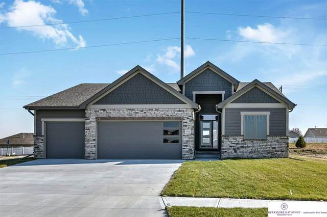 10105 S 180 Avenue Circle, Gretna, NE 68028 (MLS #22025294) :: Cindy Andrew Group