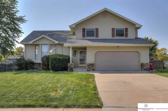 7022 Michelle Avenue, La Vista, NE 68128 (MLS #22025443) :: The Homefront Team at Nebraska Realty