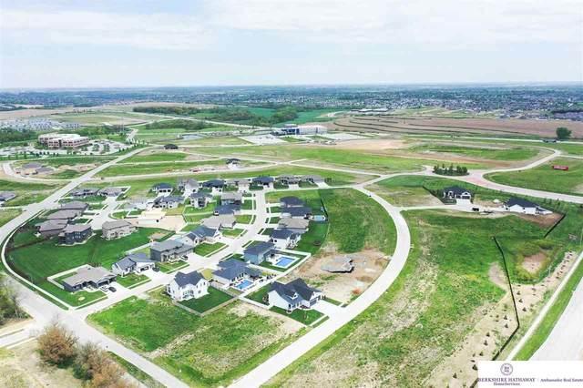 6464 S 208 Street, Omaha, NE 68022 (MLS #22026030) :: Lincoln Select Real Estate Group