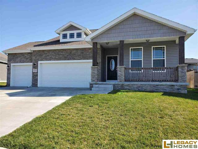 7237 Yankee Woods Drive, Lincoln, NE 68516 (MLS #22026056) :: Catalyst Real Estate Group