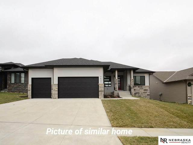421 N 104th Street, Lincoln, NE 68527 (MLS #22026208) :: Catalyst Real Estate Group