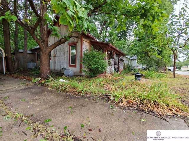207 E Elm Street, Sutton, NE 68979 (MLS #22026242) :: kwELITE